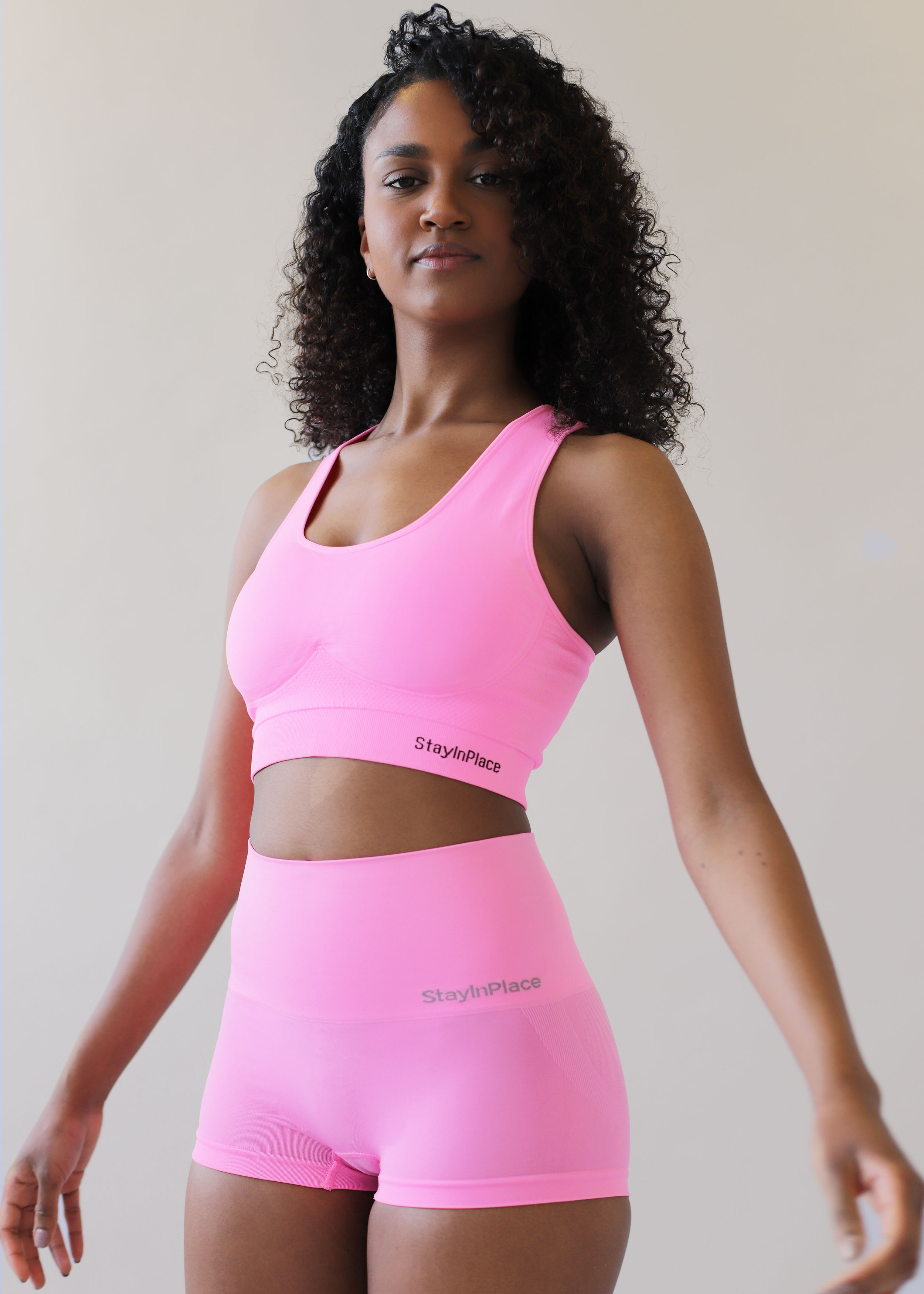 SHOP THE LOOK - SEAMLESS BRIGHT ROSE